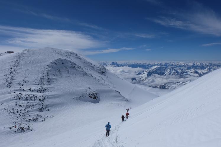 7 ElbrusAdventurePulse
